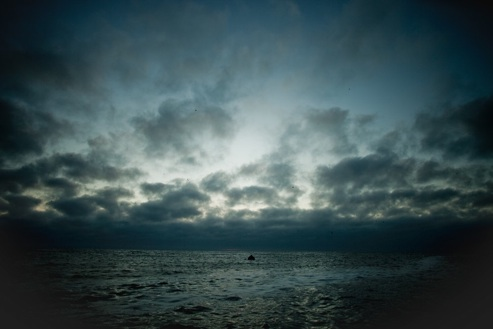 farallon_swim_clouds